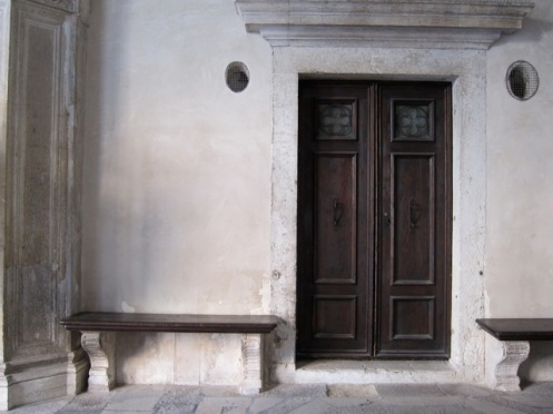 Simple, elegant doorway